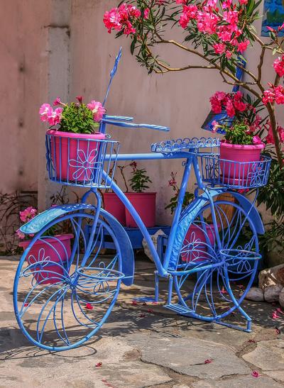 Садовая подставка велосипед